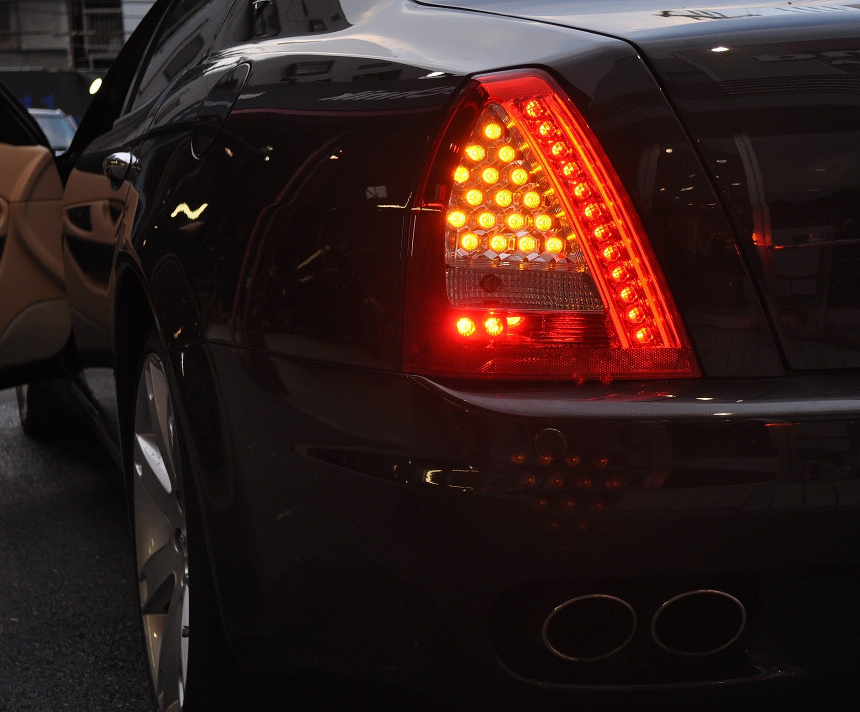 Led Tail Light Pair  2009